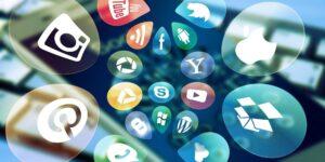 Sin estrategia digital, la iniciativa de Monreal para regular las redes sociales es lo menos urgente, coinciden analistas