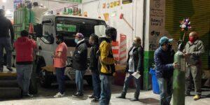La escasez de oxígeno en la Ciudad de México lleva a sus habitantes al extremo de la desesperación —y este negocio familiar es testigo las 24 horas