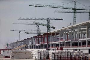 El sector de la construcción no logra concretar su recuperación en 2020; se desploma una cuarta parte de las obras civiles