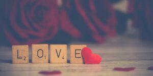 6 estrategias para que puedas unir el amor y el dinero sin pelear