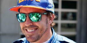 Fernando Alonso es operado de una fractura de mandíbula tras sufrir un accidente mientras andaba en bicicleta