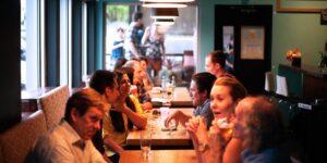 4 macrotendencias que reinventarán el sector de alimentación y transformarán la experiencia en los restaurantes