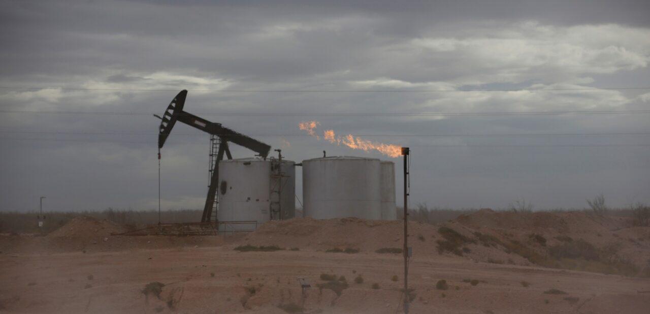 Más inversionistas buscan salir de Exxon porque descuida sus emisiones | Business Insider Mexico