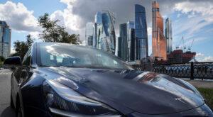 Este inversionista de 'La Gran Apuesta' Michael Burry  asegura que con Tesla pasa lo mismo que ocurrió con otras burbujas financieras