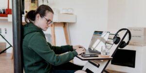 Cómo retocar tu CV, carta de presentación y LinkedIn para encontrar trabajo a distancia