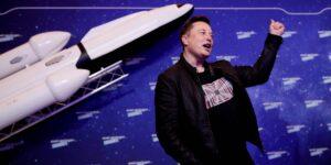 El servicio de internet satelital Starlink de Elon Musk llegará a México a finales de 2021 y así puedes registrarte