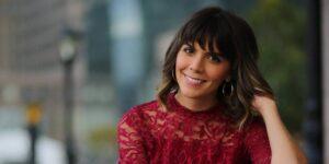 Una redactora independiente pasó de ganar 50,000 a 250,000 dólares en un año al aprovechar 3 estrategias de su carrera como actriz