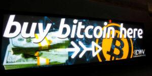 Bitcoin está imparable, supera los 52,000 dólares y rompe récord —su valor de mercado alcanzará el billón de dólares