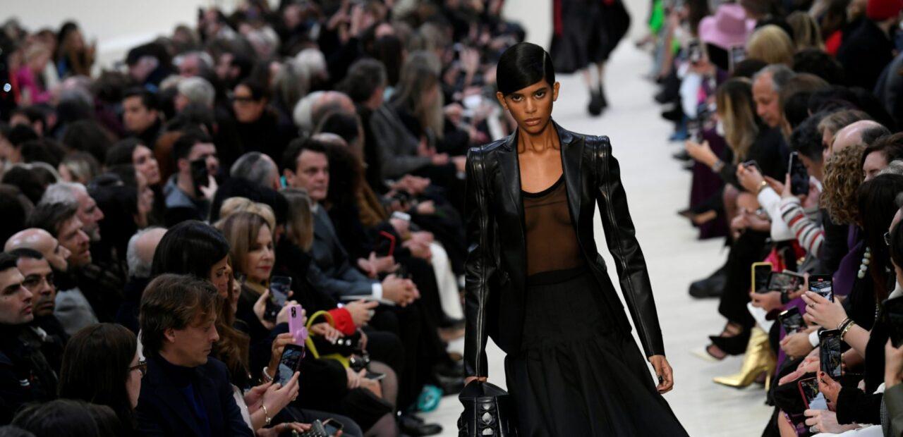 La casa de moda de lujo Valentino recibe demanda millonaria | Business Insider Mexico