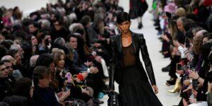 La marca de moda de lujo Valentino recibe demanda por 207 mdd tras cerrar su boutique de Manhattan debido a la pandemia
