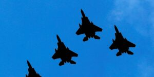 Biden ordena ataques aéreos contra la infraestructura utilizada por 'grupos militantes respaldados por Irán' en Siria