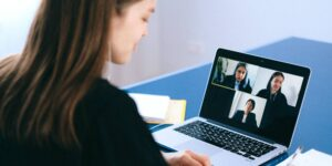 4 estrategias para reducir el número de reuniones virtuales en tu organización