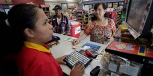 Los Oxxo de FEMSA crecen en número de tiendas pero no en ingresos durante 2020