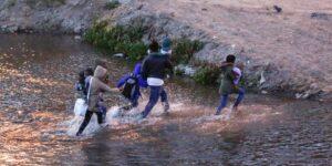 Los migrantes en México sufren de violaciones sistemáticas, secuestros y extorsiones, dijo Human Rights Watch