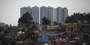 En México hay 51 millones de personas en pobreza laboral — en tanto, los ingresos de la población con más recursos aumentaron durante la pandemia, según  Coneval