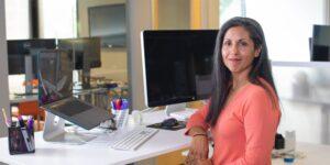 Las mujeres siguen siendo minoría en la industria tecnológica, pero aumentar su participación en este sector traería múltiples beneficios