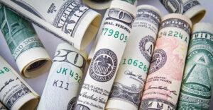 Repunte del dólar, los bonos del Tesoro y la tasa de interés en Estados Unidos: un coctel que afectaría la deuda externa en México