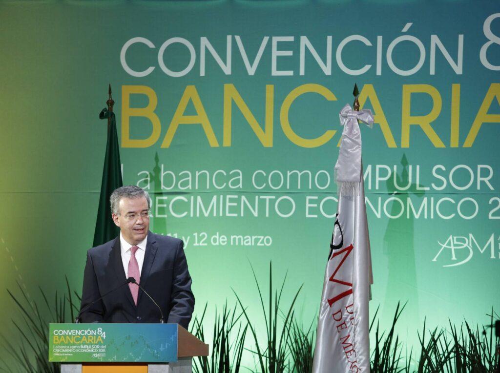 Alejandro Díaz de León, gobernador del Banco de México.