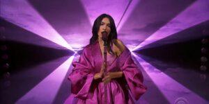 Los 4 atuendos que Dua Lipa lució en los premios Grammy 2021