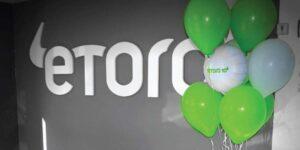 La plataforma comercial eToro se fusionará con FinTech V SPAC en un acuerdo de 10,400 millones, lo que hará que la compañía de cheques en blanco aumente