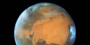 Marte era un planeta que albergó mucha agua, ahora un grupo de científicos tiene una nueva hipótesis sobre qué le sucedió