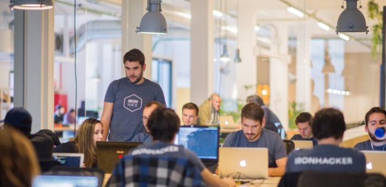 Si piensas cambiar de carrera considera unirte al sector de la tecnología | Business Insider Mexico