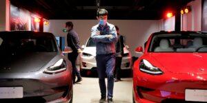 China podría estar restringiendo el uso de autos Tesla a sus trabajadores militares y gubernamentales