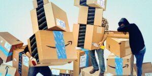 Los conductores de Amazon dicen que orinar en botellas es una parte 'inhumana' pero común del trabajo, a pesar de que la compañía lo niega.