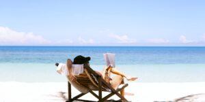 Millones de viajeros están listos para vacacionar nuevamente, y las empresas hoteleras están apostando a que pagarán suscripciones de viajes