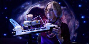 LEGO se alía con una exastronauta de la NASA para crear set del transbordador espacial Discovery