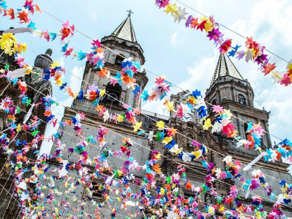 Secretaría de Turismo de Jalisco vacaciones Semana Santa Talpa de Allende Pueblos Mágicos Covid-19 medidas sanitarias | Business Insider México