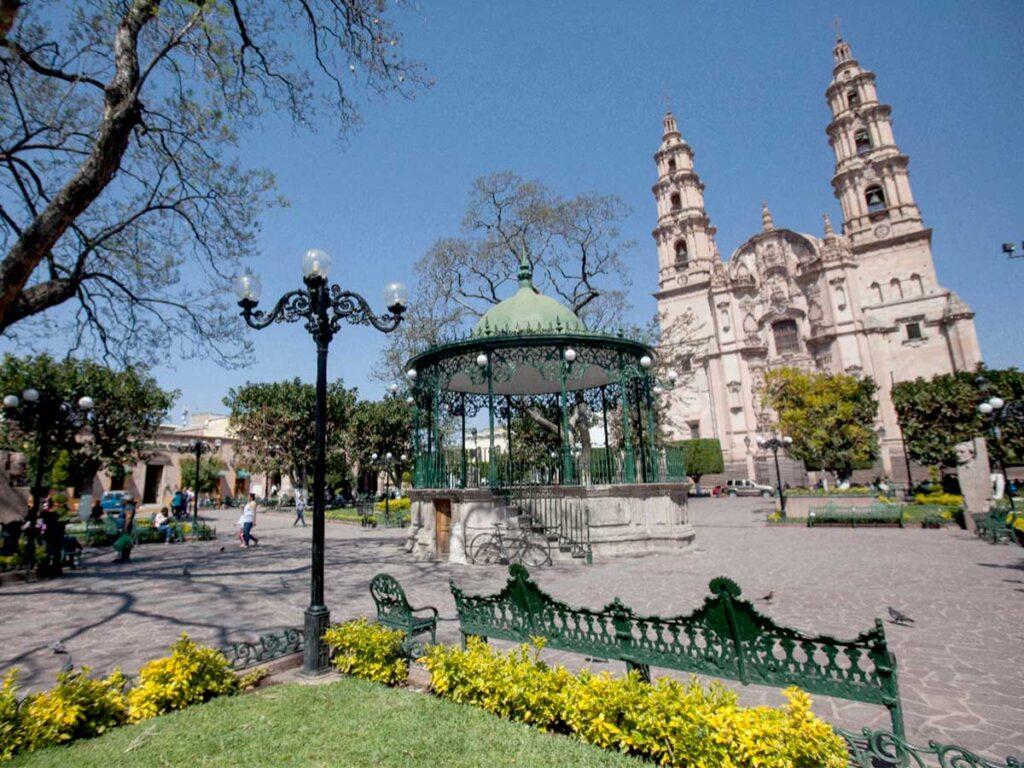 Secretaría de Turismo de Jalisco vacaciones Semana Santa Lagos de Moreno Pueblos Mágicos Covid-19 medidas sanitarias | Business Insider México