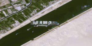 El Ever Given ya no bloquea el Canal de Suez, pero Rusia vió un beneficio a largo plazo con el incidente