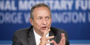A economistas como Larry Summers, el riesgo de inflación en EU les esta quitando el sueño