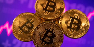Bitcoin es una burbuja por su extrema volatilidad y su poco uso en el mundo real, advierte el banco suizo UBS