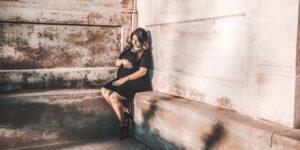 Las mujeres embarazadas que están expuestas a estas sustancias químicas pueden tener un mayor riesgo de depresión posparto