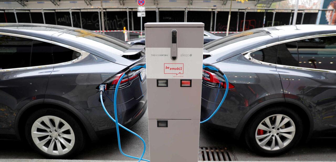 Tesla acciones | Business Insider México