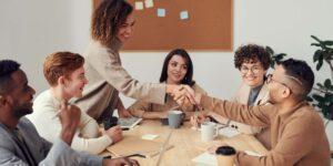 Las mujeres líderes aceptan mejor los cambios y se exponen a menos riesgos, según un análisis de Harvard a 163 empresas a lo largo de 13 años