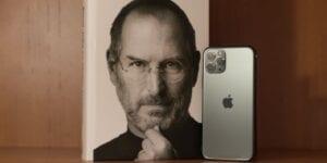 Steve Jobs solo apagaba su iPhone por un motivo (y deberías imitarlo si quieres triunfar)