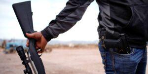 Cómo el tráfico de armas estadounidenses ayudan a los cárteles mexicanos y abruman a la policía y al ejército de México