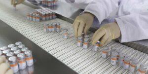 La vacuna Sinovac de China es 50.7% efectiva contra el Covid-19, y apenas alcanza el umbral para ser una vacuna que valga la pena usar, según un estudio