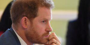 2 vacíos en las reglas sanitarias del Covid-19 de Reino Unido que permitirían al príncipe Harry asistir legalmente al funeral del duque de Edimburgo