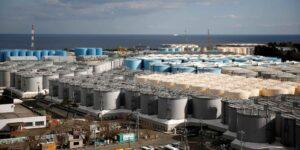 Japón aprobó un plan para tirar en el mar 1 millón de toneladas de aguas residuales del desastre nuclear de Fukushima, argumentando que ha sido tratada y no es dañina