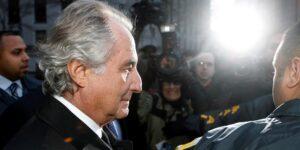 Bernie Madoff, inversionista de Wall Street y organizador de un esquema Ponzi, murió a los 82 años