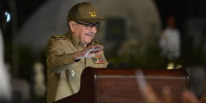 Raúl Castro anuncia su renuncia a la directiva del Partido Comunista de Cuba— estos son algunos de sus momentos clave dentro de la política cubana