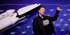 SpaceX gana contrato de 2,900 millones de dólares con la NASA para construir una nave espacial que se enviará a la Luna