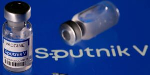 Vacuna rusa Sputnik V tiene efectividad de 97.6% en estudio en el mundo real, según científicos