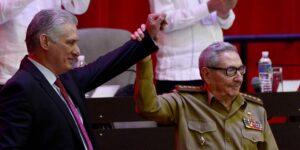 El presidente de Cuba, Miguel Díaz-Canel, reemplaza a Raúl Castro como primer secretario del Partido Comunista