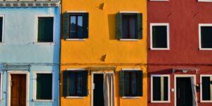 Los bancos centrales discuten qué hacer, pues los precios de la vivienda no dejan de subir en el mundo