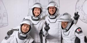 SpaceX lanzará 4 astronautas al espacio el viernes. Así es como se desarrollará el viaje: desde el despegue hasta el aterrizaje